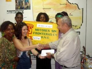 Donación al Presidente de MSAF-MALI, 2008.